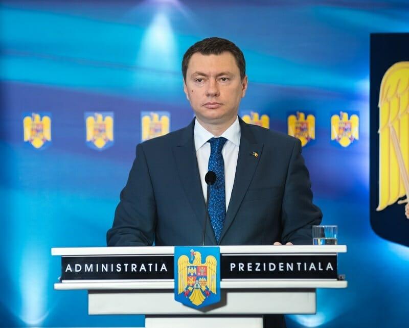 """Videoconferinţa News.ro """"RoInvest"""" – Consilierul prezidenţial Cosmin Marinescu: Planurile de investiţii prind contur şi avem pe masa deciziilor proiecte de investiţii concrete, fezabile. În prezent, cea mai bună investiţie este vaccinarea"""