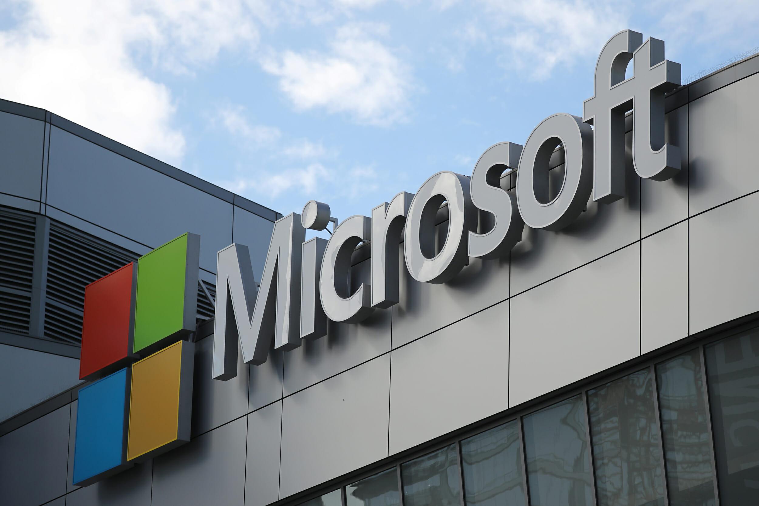 Microsoft dezvoltă un dispozitiv de streaming pentru serviciul său de gaming în sistem cloud asemănător Netflix