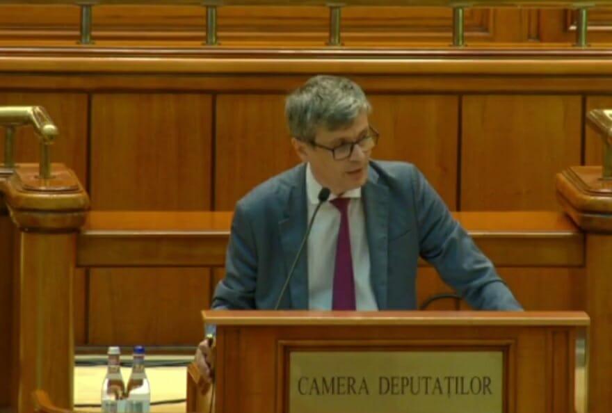 """Virgil Popescu, la """"Ora Guvernului"""" în Parlament: Termocentrala de la Mintia a fost jefuită. Vrem să salvăm locurile de muncă de acolo"""