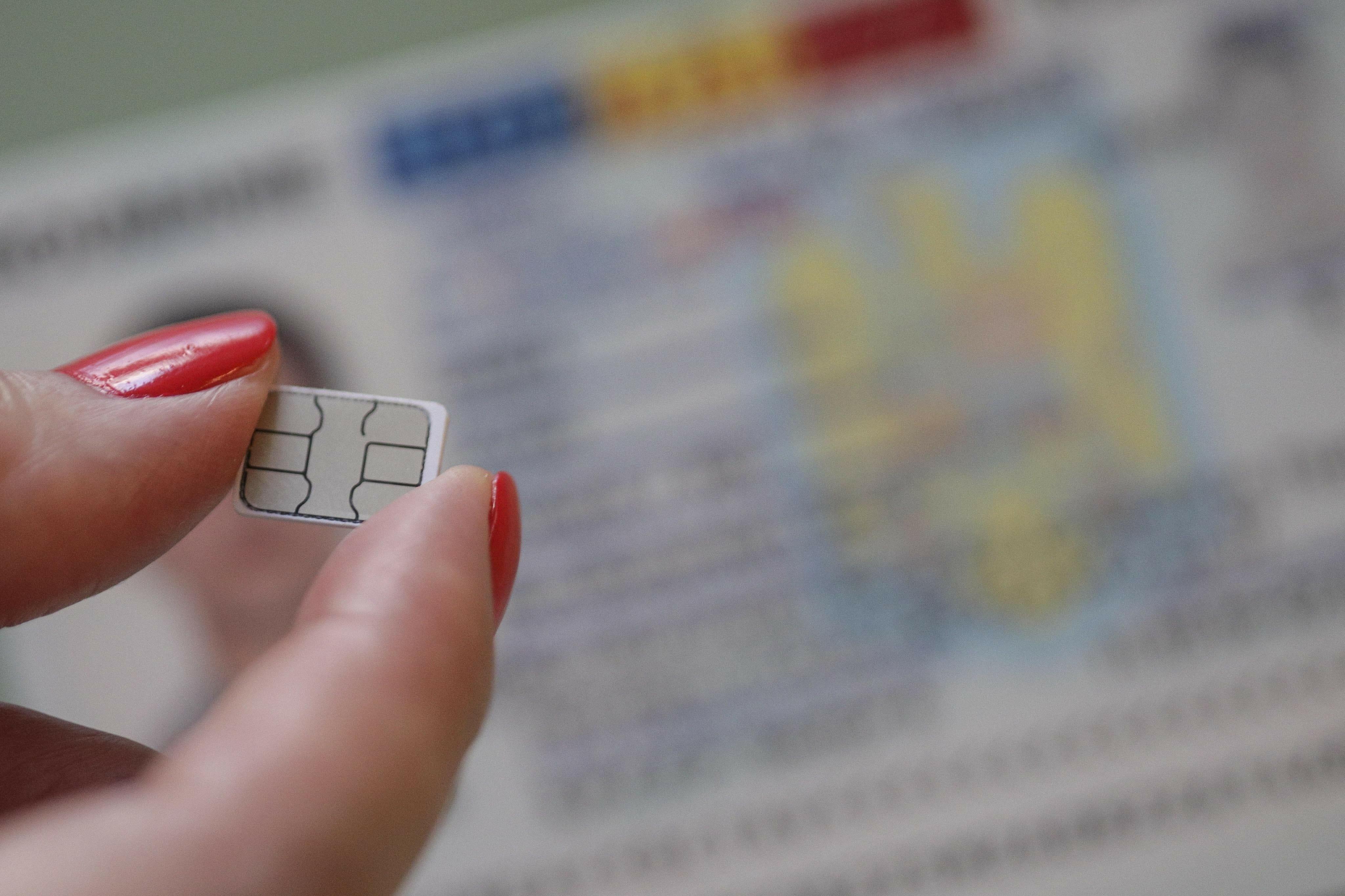 Stelian Ion: Trebuie să luăm foarte în serios reanalizarea soluţiei referitoare la interzicerea cumpărării cartelelor telefonice fără buletin