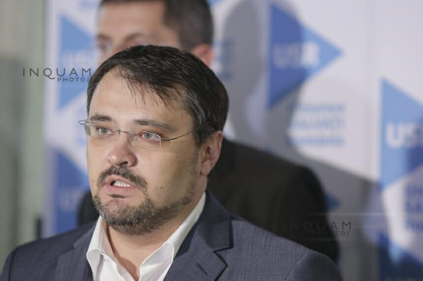 UPDATE – Cristian Ghinea, la moţiunea simplă împotriva sa: Am citit textul moţiunii, este un banc prost / PSD fuge de PNRR ca Dracu de tămâie