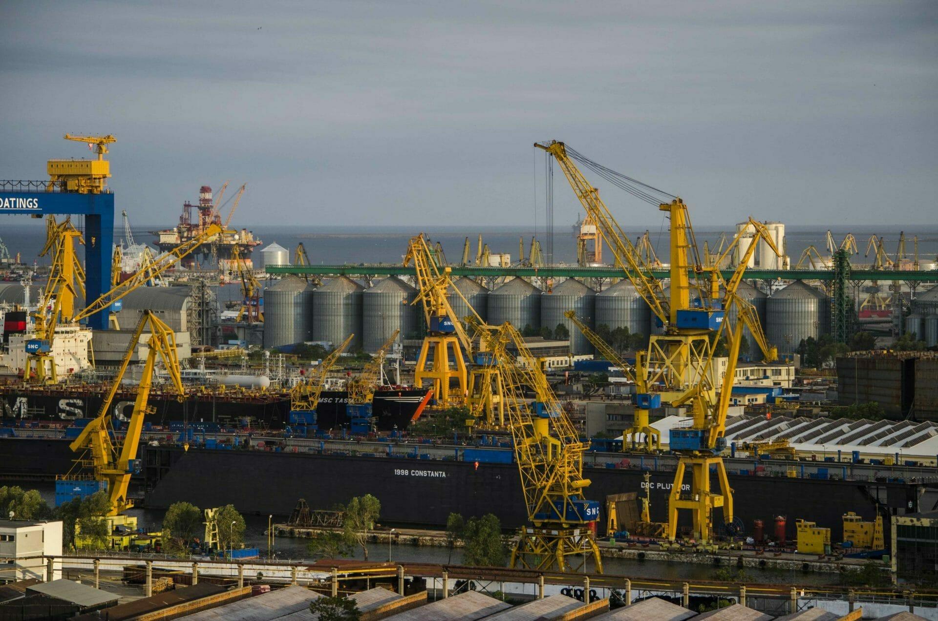 Administraţia Porturilor Maritime Constanţa: Traficul de mărfuri în porturile maritime de la începutul anului a depăşit 32 de milioane de tone, cu o creştere de 8%