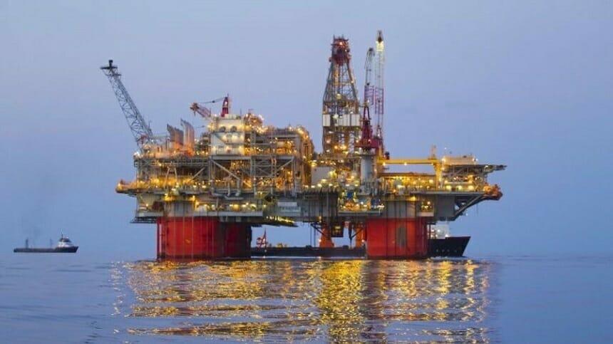 petrol cu deficiențe de vedere)