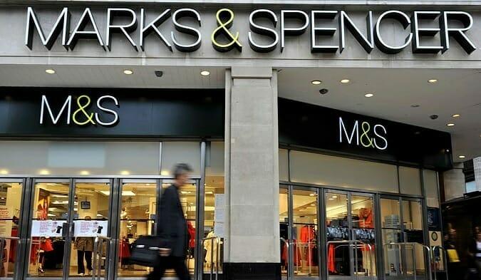 Marks & Spencer închide toate cele 11 magazine alimentare sub franciză din Franţa, în urma Brexitului