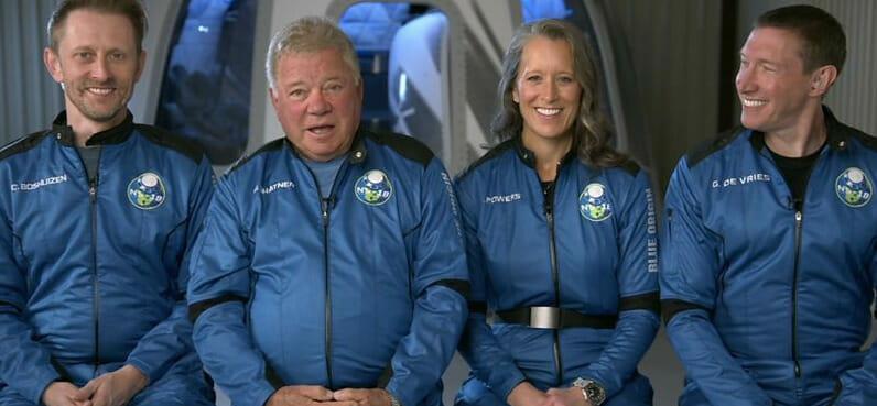 New Shepard a Blue Origin, al doilea zbor cu echipaj uman – Actorul William Shatner devine cea mai vârstnică persoană care ajunge în spaţiu – VIDEO