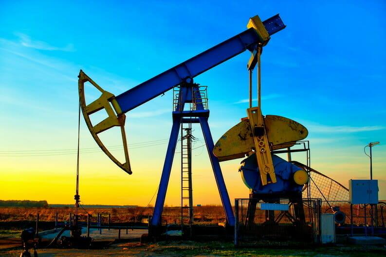 Casa Albă cere ajutorul companiilor de petrol şi gaze pentru reducerea costurilor carburanţilor – surse